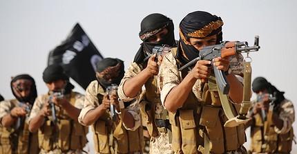 ISIS está reclutando combatientes con promesas de un sueldo mensual