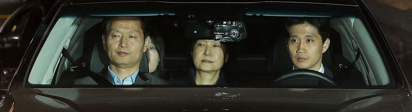 Coreia do Sul emitiu mandato de prisão para a sua presidente alvo de impedimento legal para governar