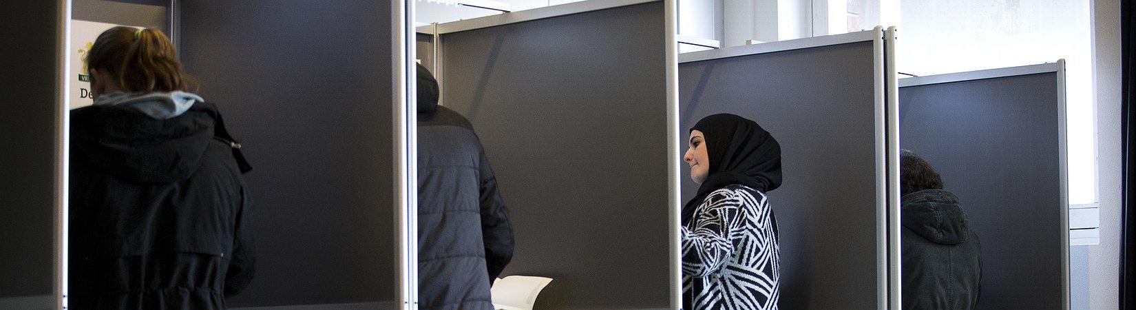 Eleitores holandeses vão hoje às urnas