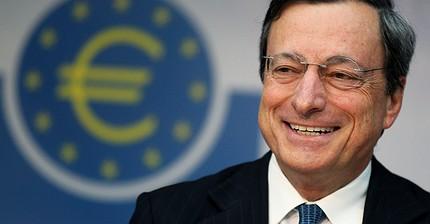Курс евро достиг годовых максимумов на фоне сигналов от ЕЦБ и ФРС