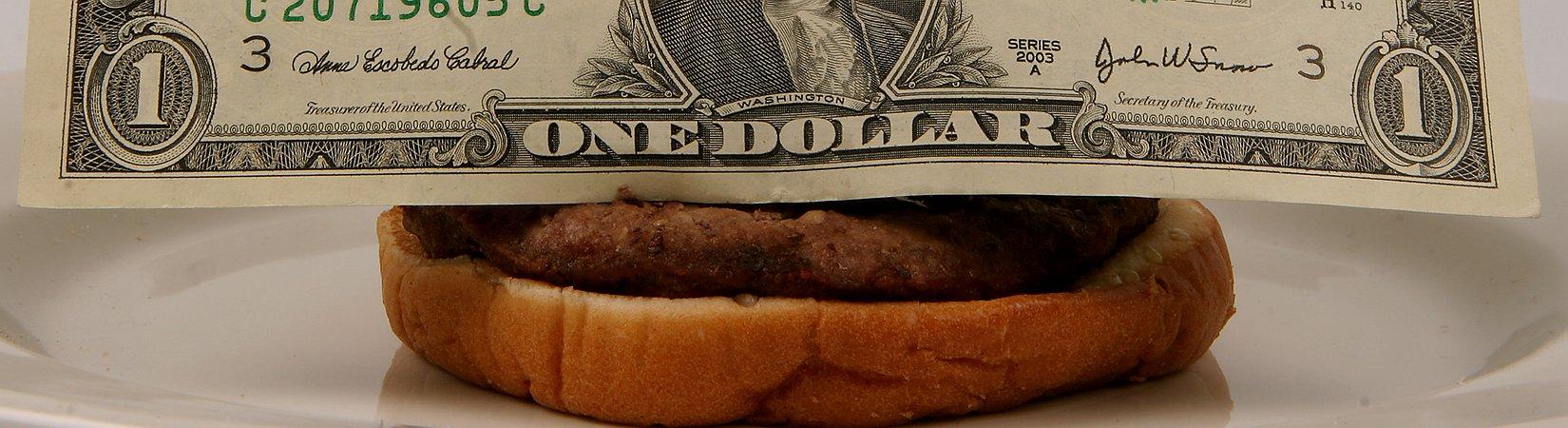 Как индекс Биг-Мака предсказывает будущее доллара