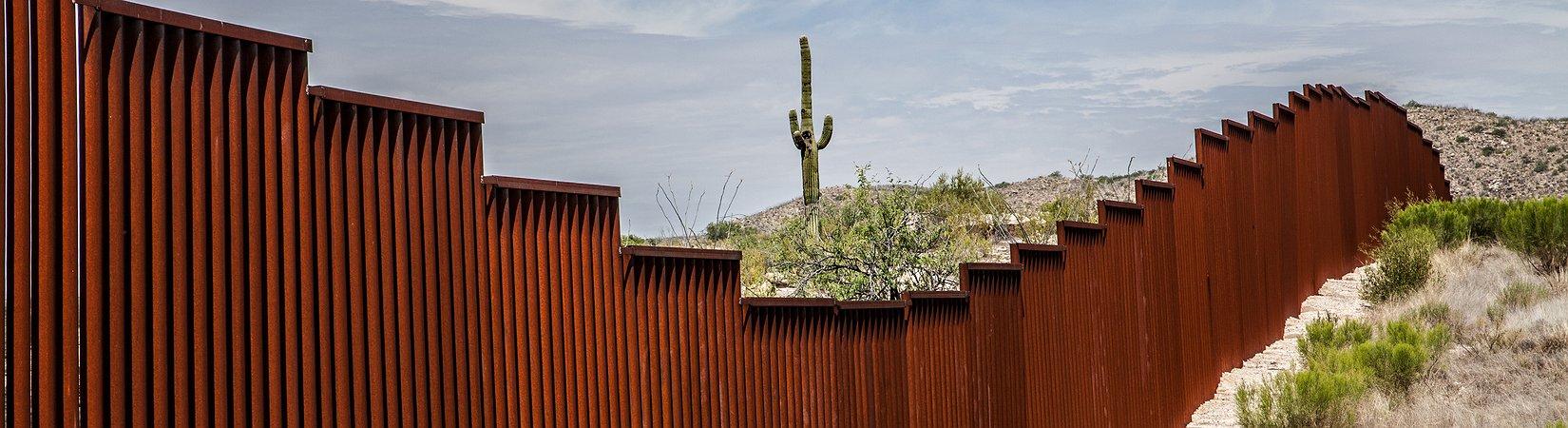 Trump assinou decreto para a construção de muro na fronteira com o México