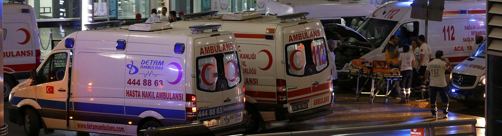 Dos explosiones y un tiroteo en el aeropuerto Atatürk de Estambul