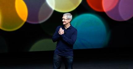 Apple стала первой компанией с капитализацией выше $800 млрд