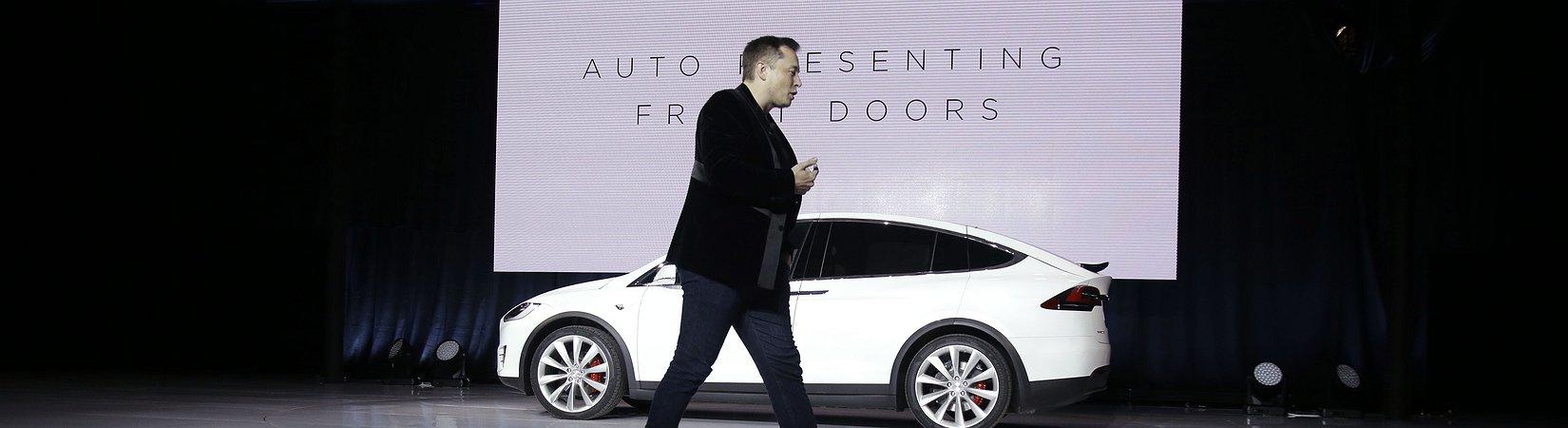 كل ما نعرفه عن سيارة الكروسوفر الغامضة Tesla Model Y