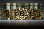 Bitcoin supera per la prima volta quota 3.200 dollari