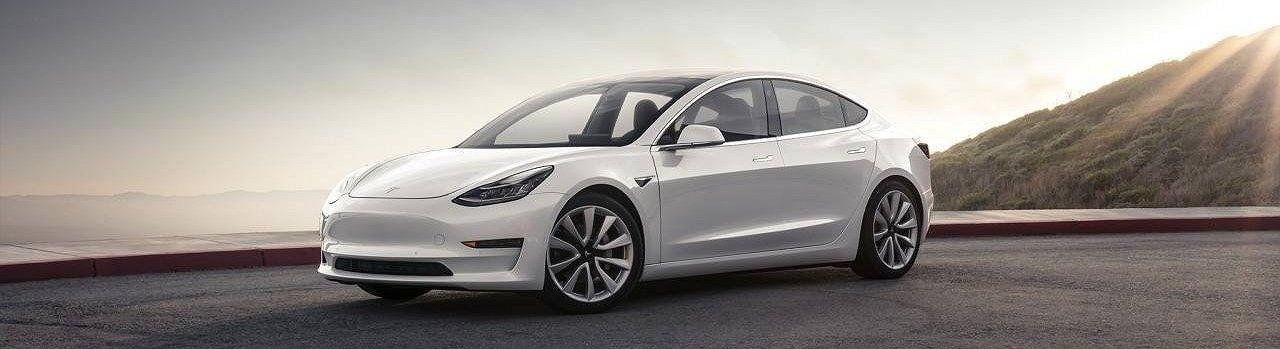 ¿Por qué no ha cumplido Tesla con el calendario de entregas del Model 3?