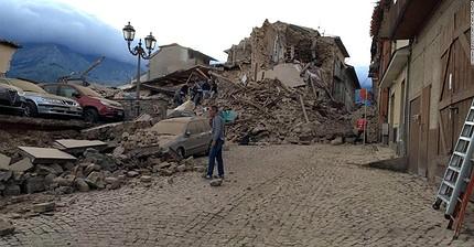 Un fuerte terremoto sacude el centro de Italia