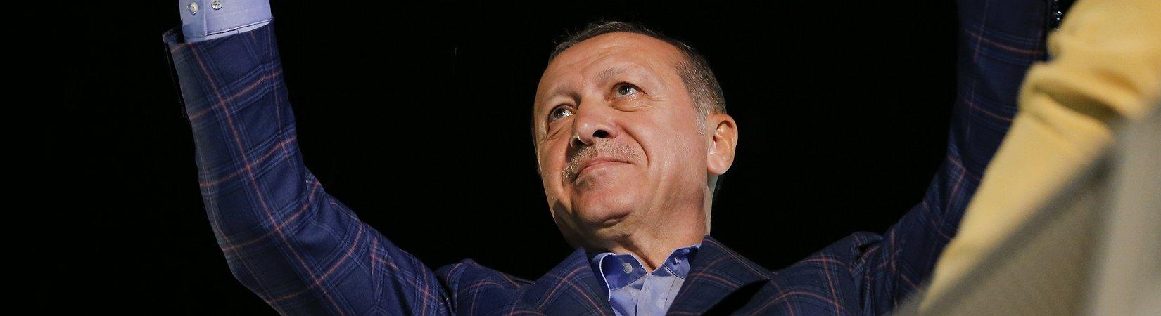 Referendo na Turquia: Erdogan com poderes reforçados