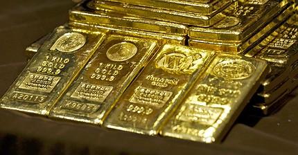 Золото продолжит дорожать из-за политических рисков