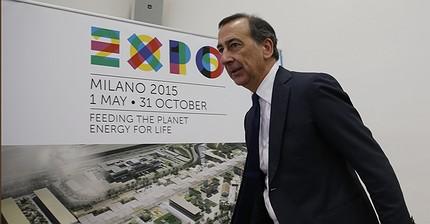 Il sindaco di Milano Giuseppe Sala indagato si autosospende dall'incarico