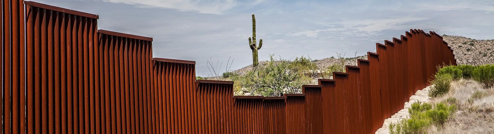 Trump firma la orden para construir un muro en la frontera con México