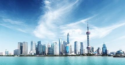 Нефть растет на 1%, индекс Shanghai Composite падает на 3%