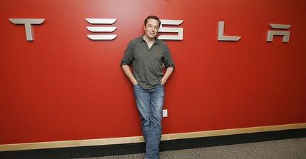 Илон Маск назвал дату выпуска первой Model 3
