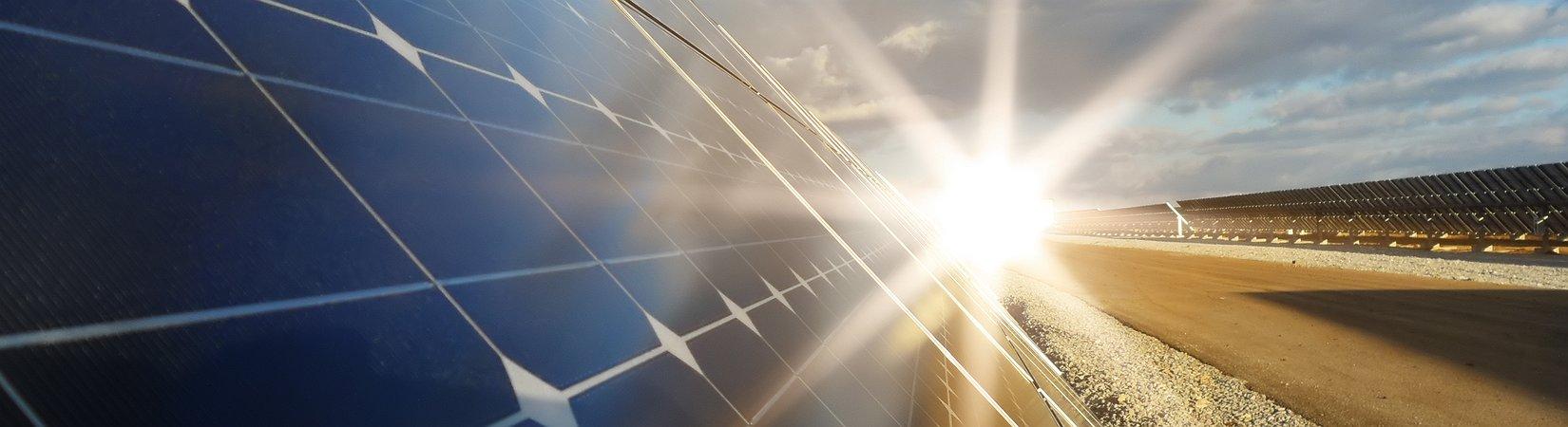 Tesla completa la construcción de plantas de energía solar en Hawái