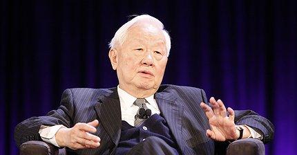 86-летний бизнесмен стал миллиардером благодаря iPhone 8