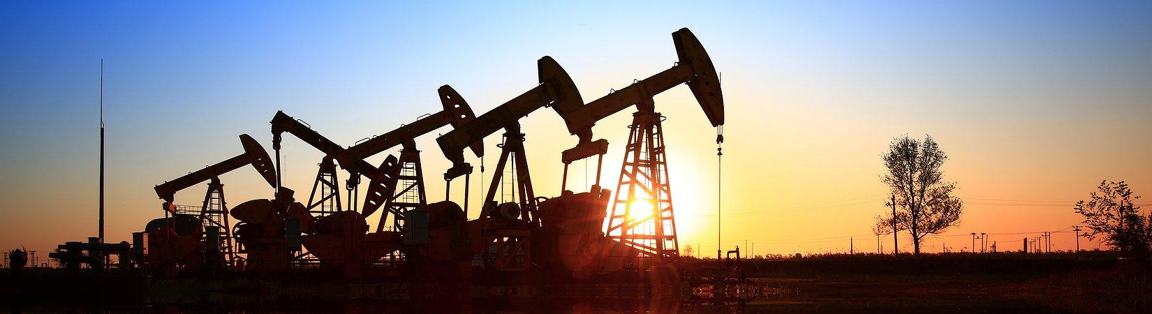 Цены на нефть растут на фоне рекордного сокращения запасов в США