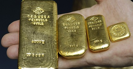 Обзор рынка: Европейские индексы снижаются, нефть колеблется, золото подорожало