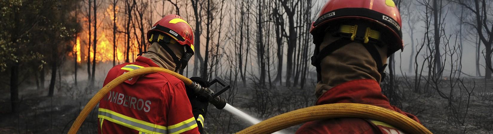 Portugal: chamas não dão tréguas aos bombeiros