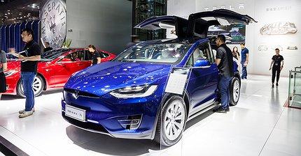 Видео: Tesla Model X устроили первый краш-тест