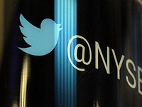 Early Twitter backer hates the stock he once loved, dumps shares