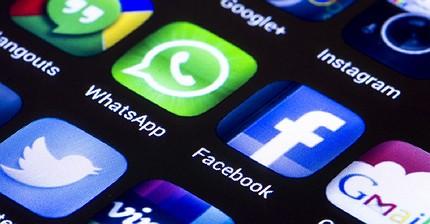 Ue infligge una multa da 110 milioni di euro a Facebook