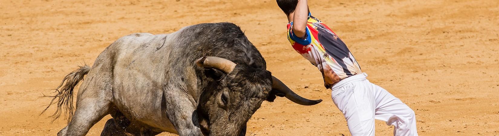 España esquiva los problemas de la incertidumbre política