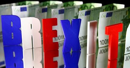 EC увеличил требования за Brexit до 100 млрд евро