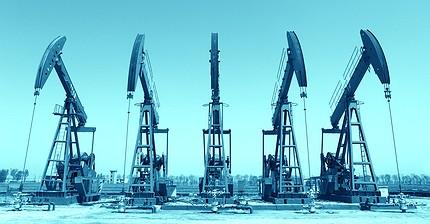 Нефть укрепляется, рубль тоже