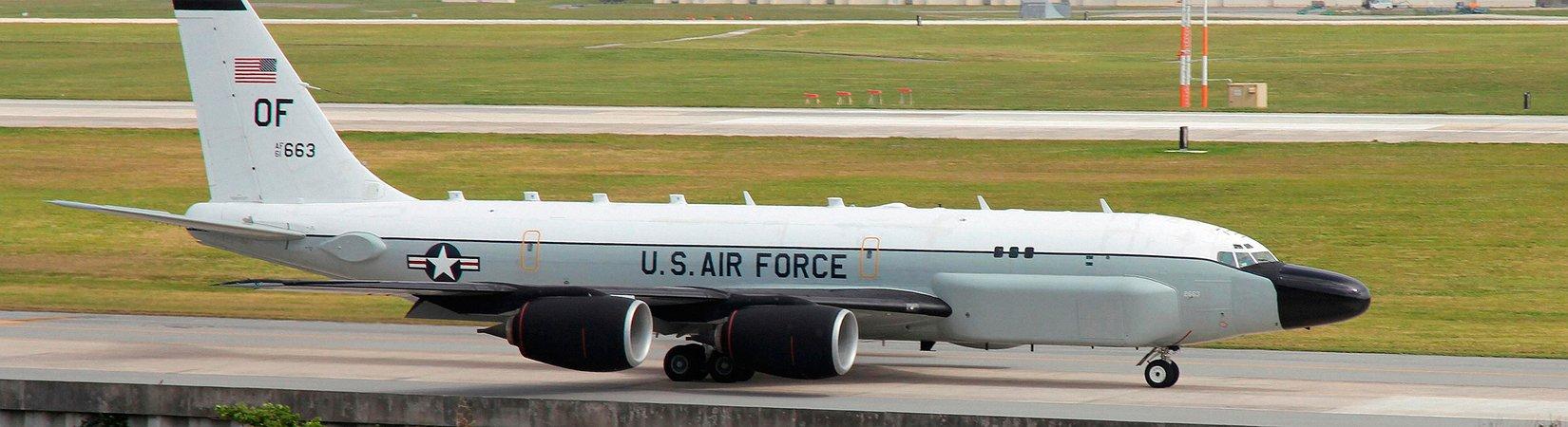 EE. UU. acusa a China de interceptar un avión espía