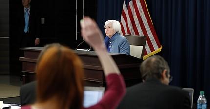Cosa significa quest'ultimo aumento dei tassi di interesse della Fed per gli investitori?