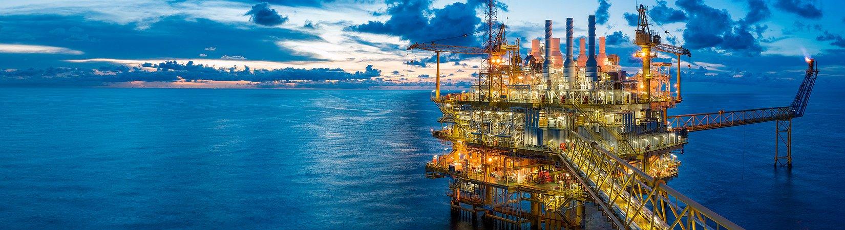 Sube el precio del petróleo a la espera del resultado de la reunión de la OPEP