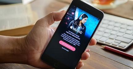 Вместо iPhone: Сколько Apple зарабатывает на сервисах