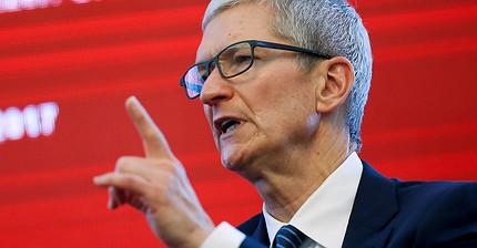 Тим Кук обвинил iPhone 8 в падении продаж Apple