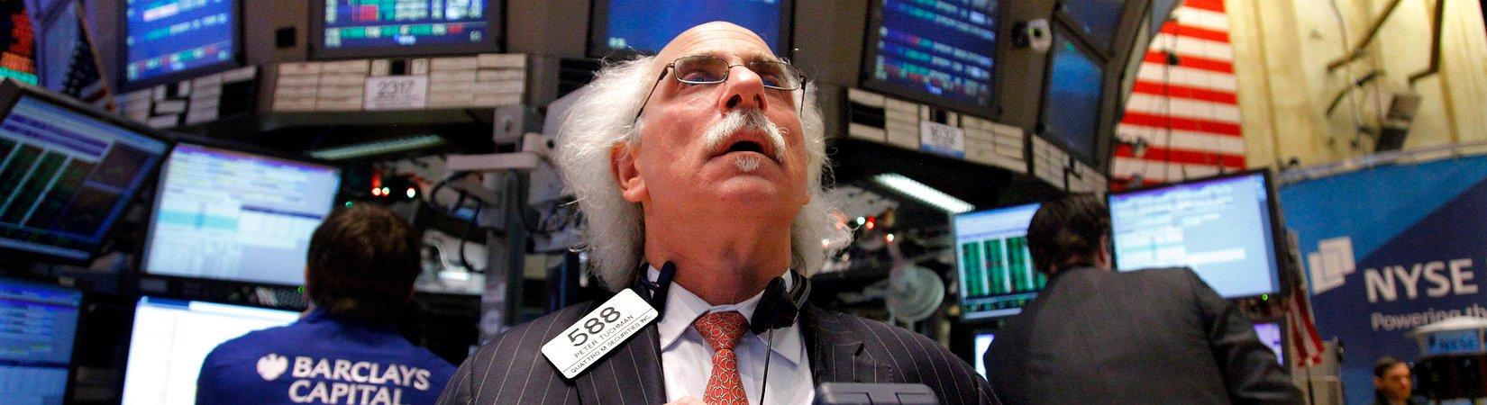 من السندات الرخيصة إلى العملات المشفرة.. كيف تصاب الأسواق بالجنون