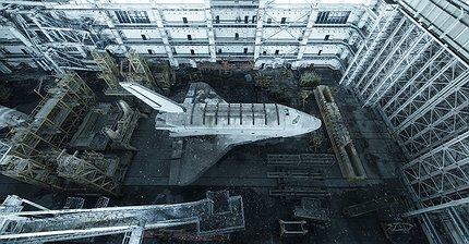 ФОТО: Заброшенные советские «Бураны» на кладбище космических кораблей