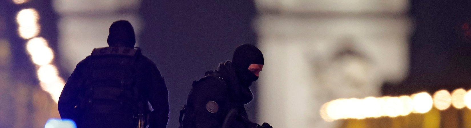 L'Isis rivendica l'attentato sugli Champs-Elysées