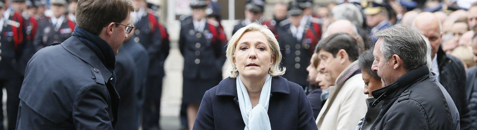 Le Pen abandona de forma temporal el liderazgo del Frente Nacional