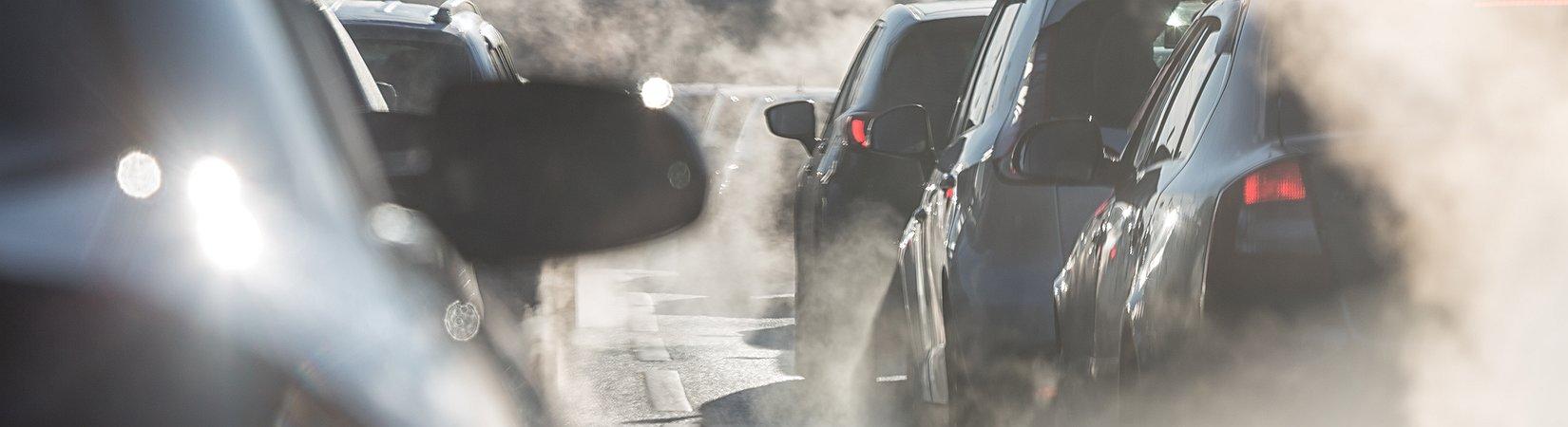 Los coches que circulan en nuestro país exceden el límite de emisiones