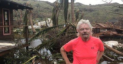 ФОТО: Ричард Брэнсон показал разрушенный «Ирмой» остров