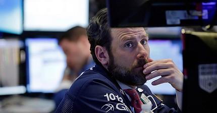 I fondi hedge riducono il numero di posizioni lunghe sul petrolio