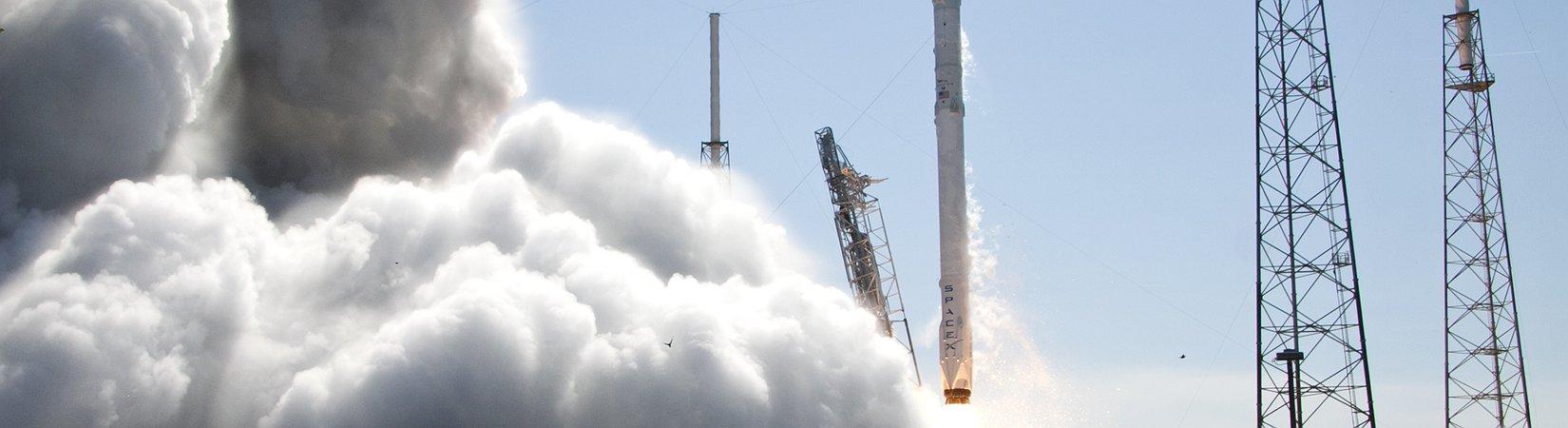 SpaceX займется доставкой человеческого праха в космос