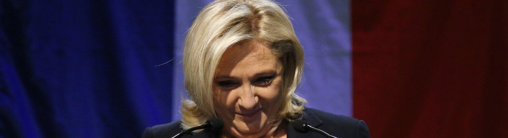 """La promessa di Marine Le Pen: """"Francia fuori da Nato e Ue"""""""