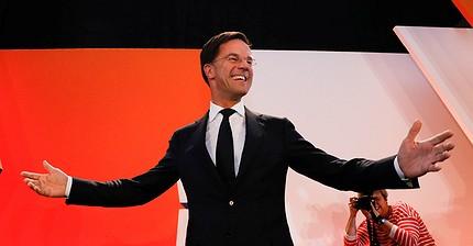 Gli elettori olandesi confermano il premier liberale Mark Rutte