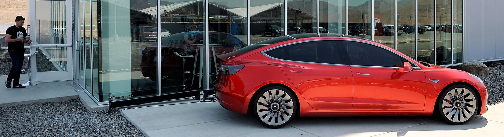 Tesla inaugura una gigafactoría sostenible