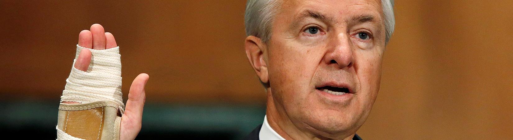 Ex-Wells Fargo boss blamed for fake accounts scandal