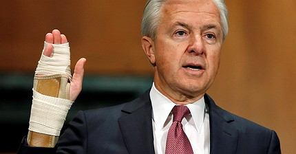 Ex-Wells Fargo boss blamed for fake accounts scandal