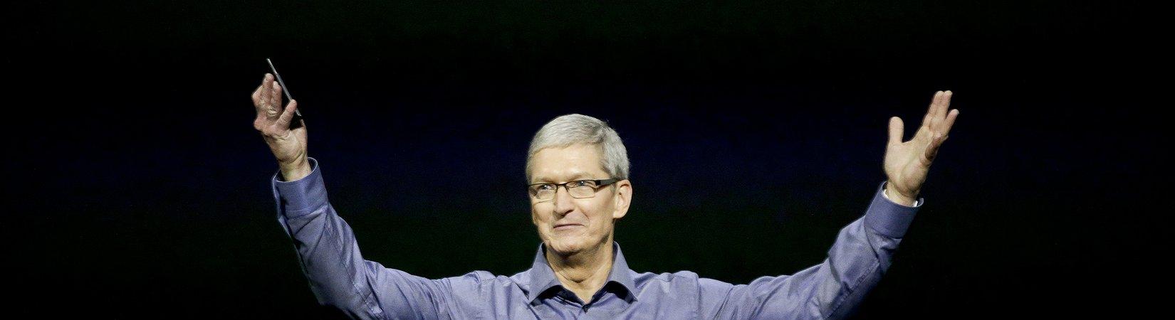 La capitalizzazione di Apple supera i 900 miliardi di dollari