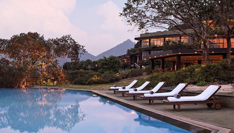 Las 11 piscinas m s espectaculares para disfrutar este for Piscinas espectaculares
