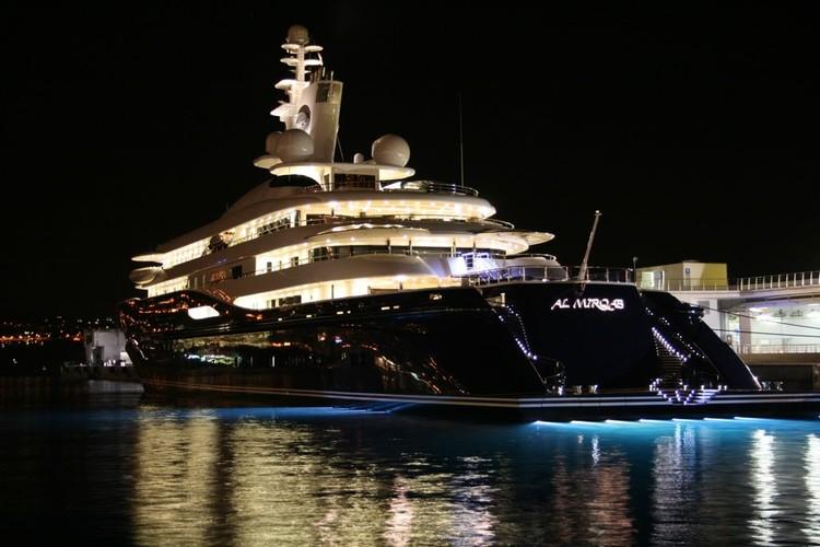 Москва, 10 самых дорогих яхт проекта Супермодель по